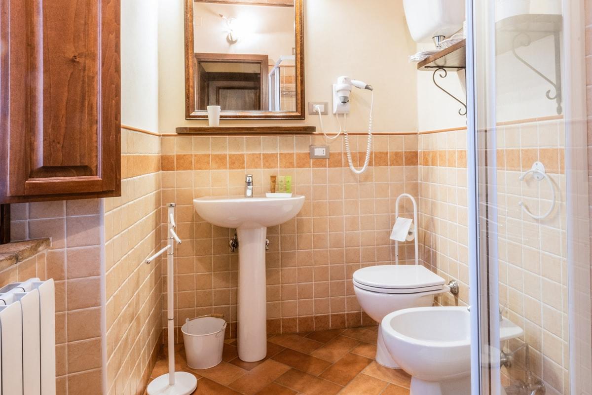 Appartamento Donatella - Bagno privato camera matrimoniale