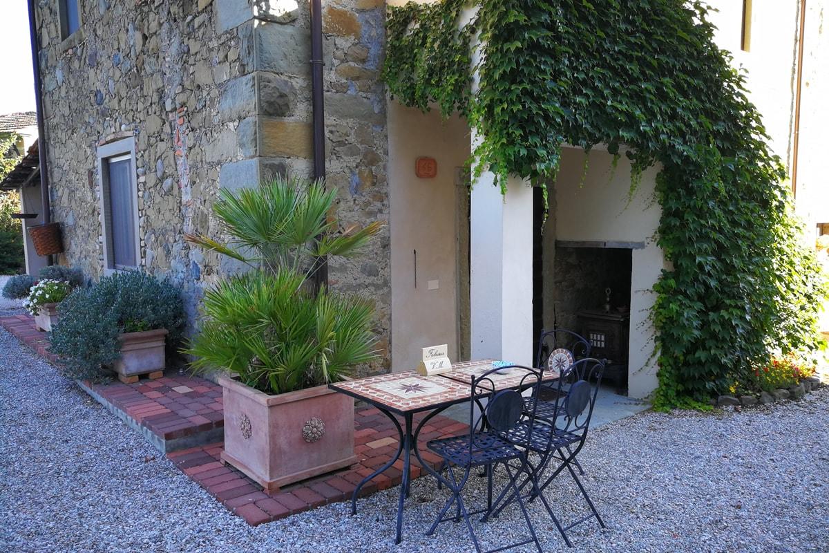 Appartamento Fabrizia - Area esterna con tavola riservata