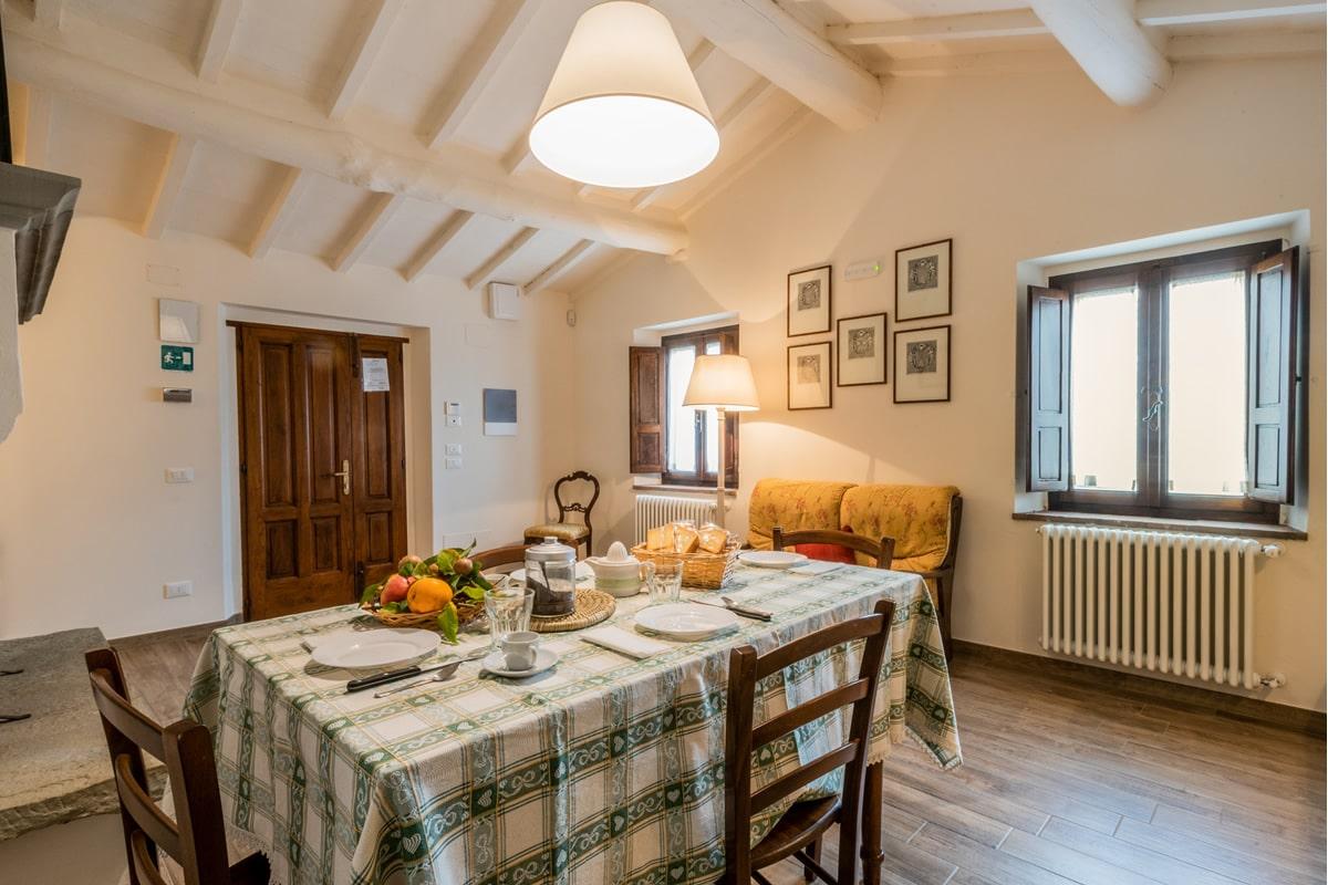 Appartamento Margherita - Finestra con vista sulla piscina