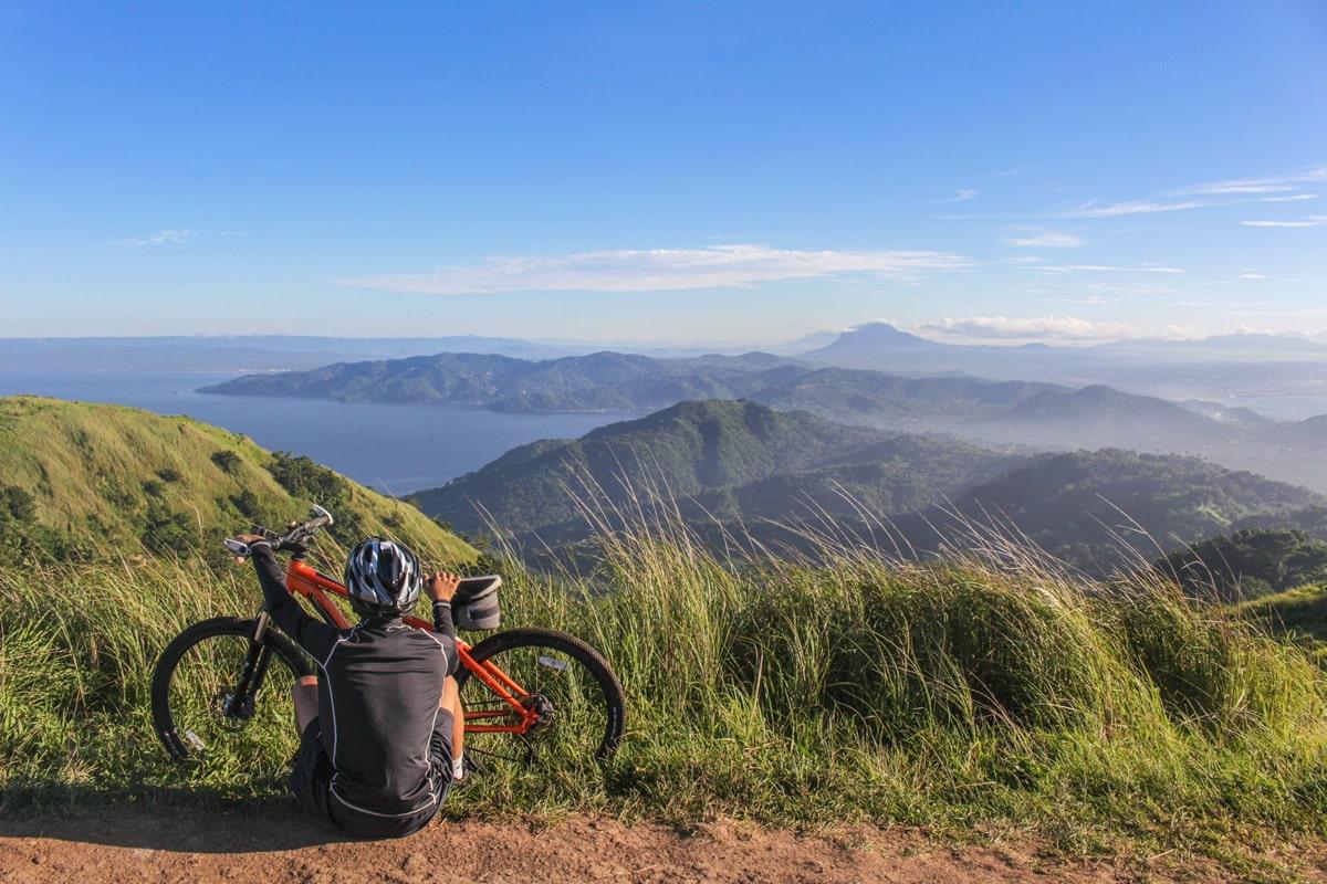 Escursioni in bicicletta su strada o da enduro